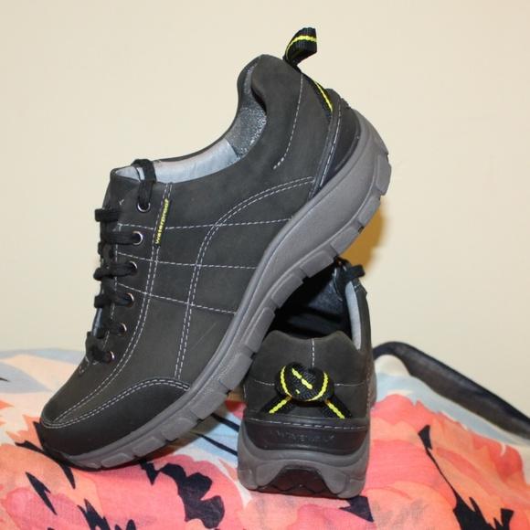Clarks Shoes | Clarks Outdoor Wave Walk
